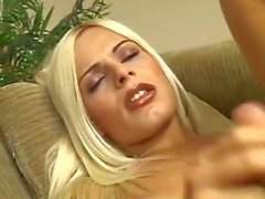 A Young Tranny And Her Fuck-freind Are Fucking