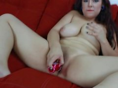 Daisy Dabs shakes her ass, smokes dabs and shoves a dildo in her pussy