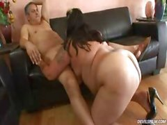 Big fat tatooed whore gets fuck on a leather couch !