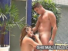 Latina shemale Kamila Smith showing her blowjob skills on